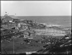 The Royal Bondi Aquarium occupied the Tamarama Beach and headland from 1887 until the early 1900s. Photo: Powerhouse Museum